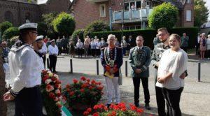 Die Stürzelberger Schützen gedachten gemeinsam mit König Marcel I. und Königin Andrea der Verstorbenen